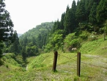 二の谷山登山口付近